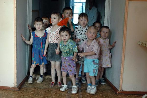 Что такое и чем отличается детский дом от интерната - как выглядит