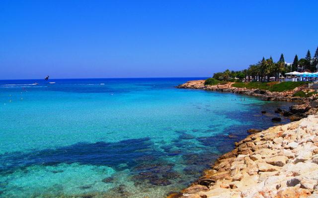 Тунис или Кипр