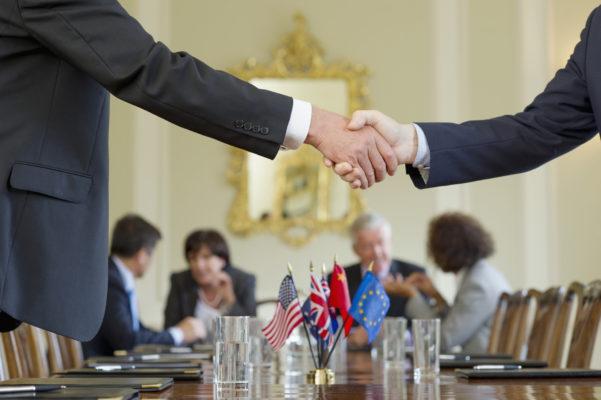 дипломат профессия