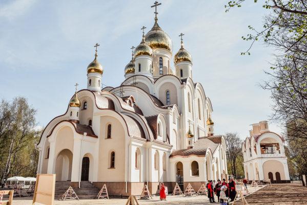 отличие храма от церкви